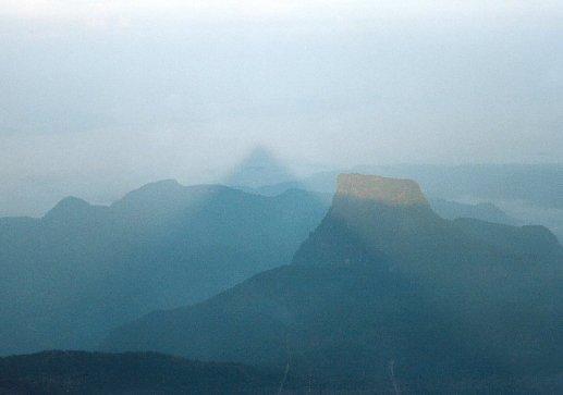 Srilanka_adams_triangle (2)